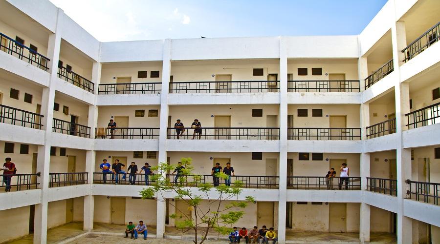 Hostel – GITS